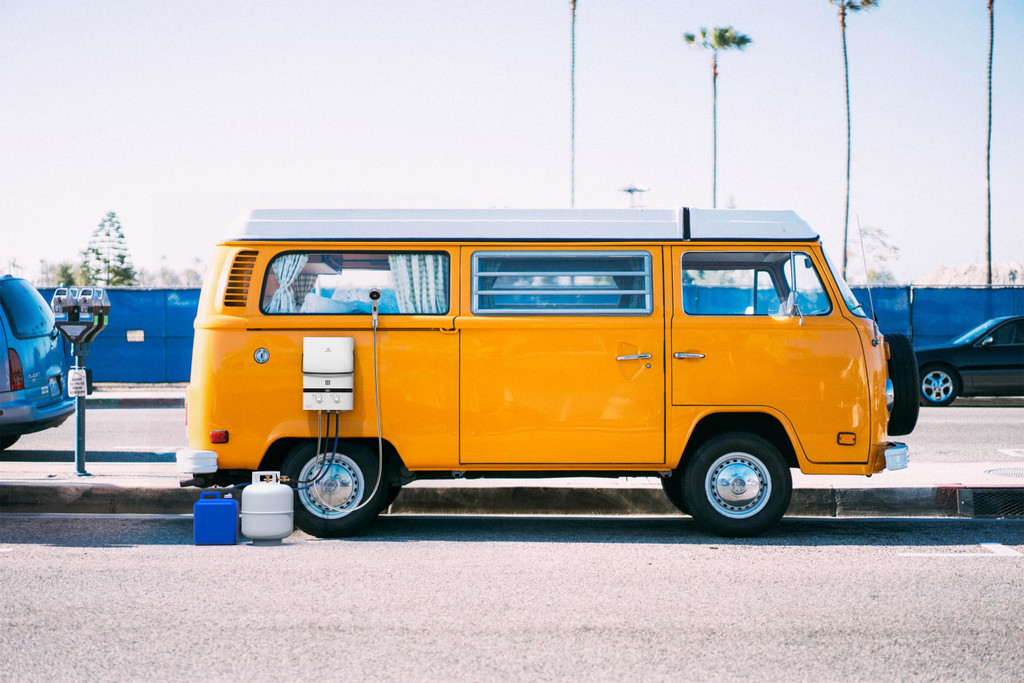 EL7 Portable Outdoor Tankless Water Heater On Camper Van For Outdoor Shower