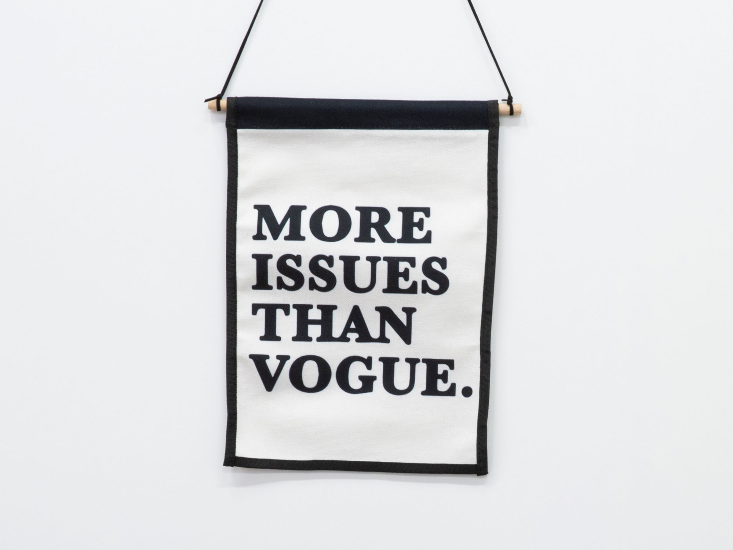 Small Wall Art Hanger - Vogue
