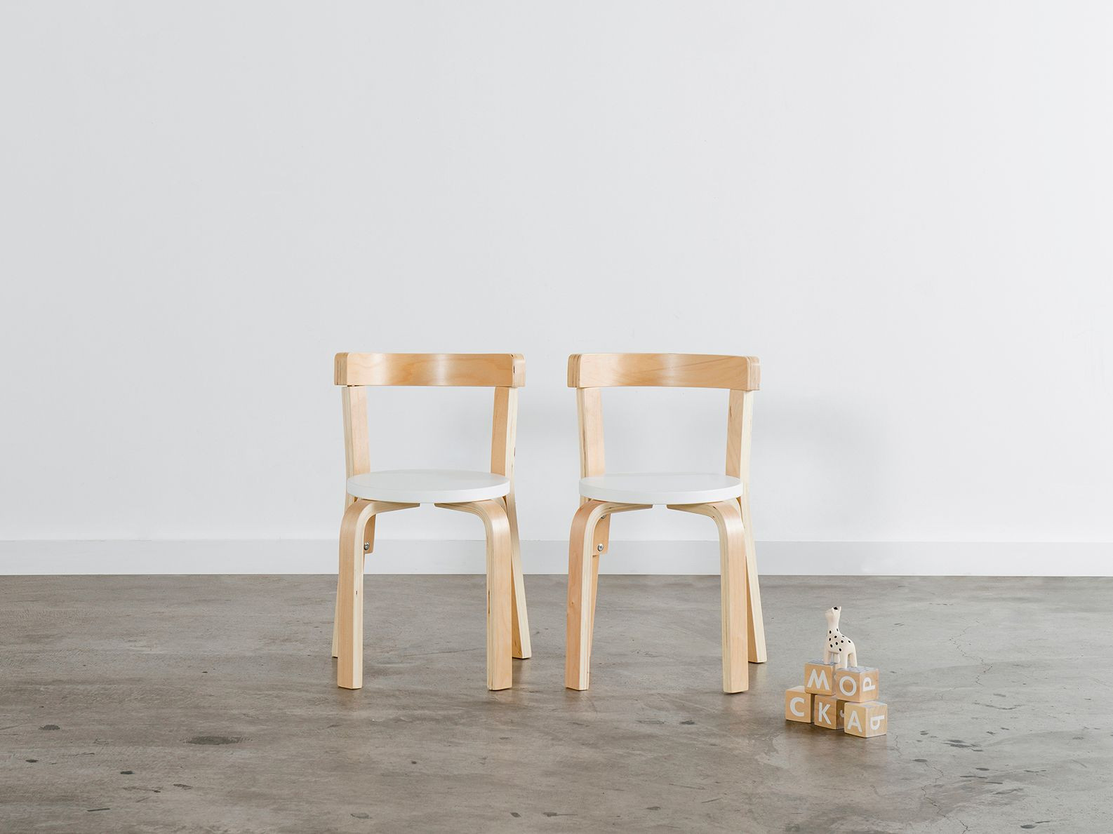 Hudson Kids Chairs- Set of 2 - White/ Natural