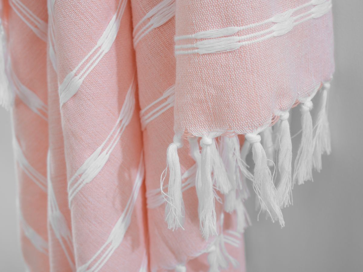 Bria Throw - Pink