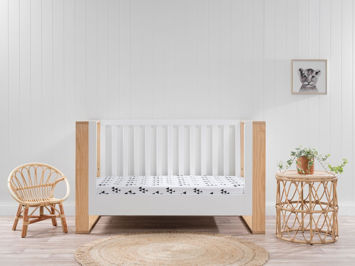 Boston Cot Toddler Bed Conversion - White