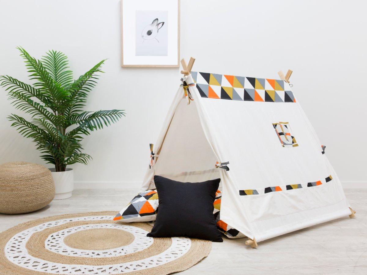 Minka House - Triangles