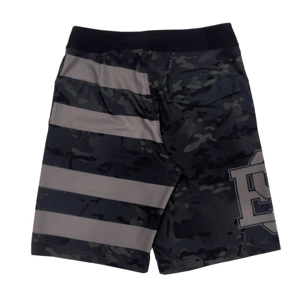 Active Shorts | Camo Flag