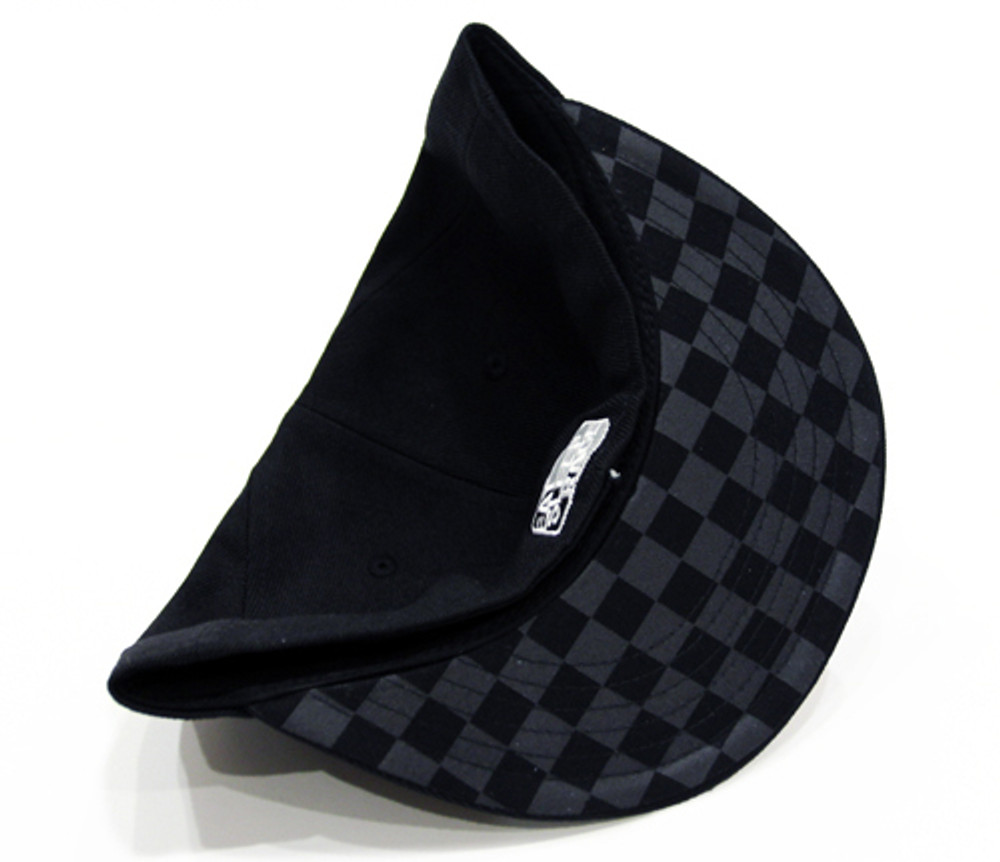Turbo Wing Fitted Hat | Black-Black
