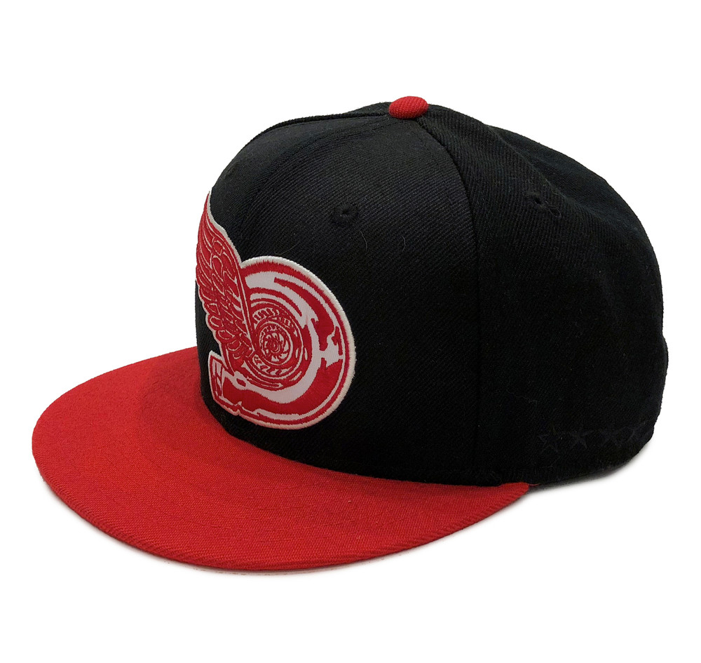 Turbo Wing Fitted Hat | Black/Red