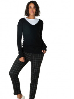 Yest V Neck Sweater with Diamond Pattern in Black