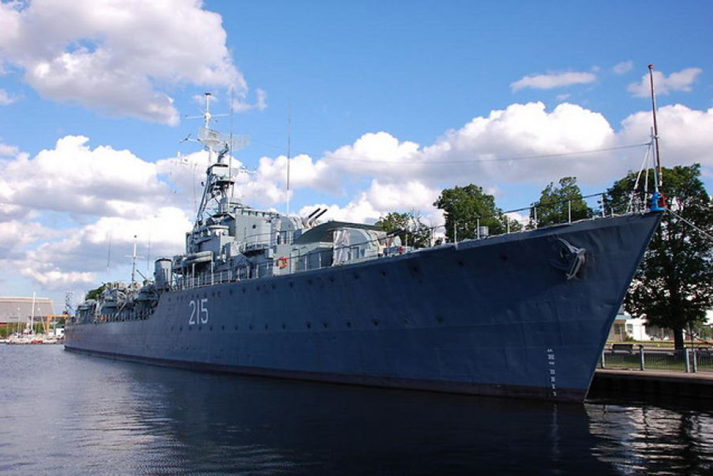 Fuji Photo Walk - HMCS Haida