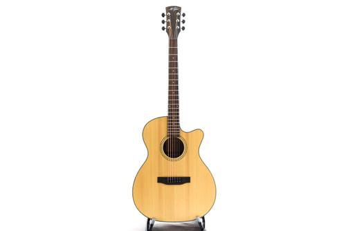 M.Tyler MTT-OM500C Acoustic Guitar