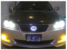 2006-lexus-is350-dual-color-fogs-and-led-grille-badge-yellow.jpg