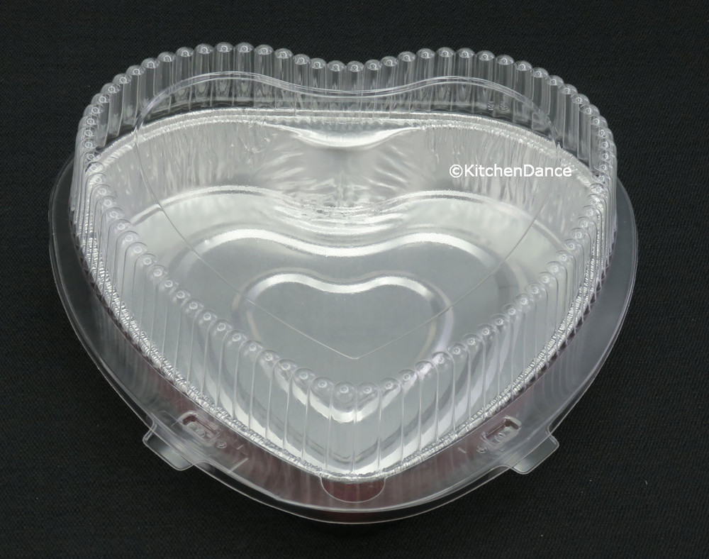 plastic clamshell container for heart shaped holidy baking pan,
