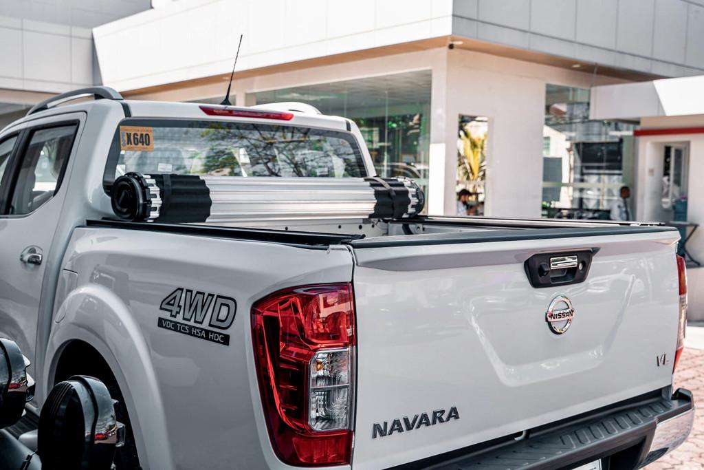 HR REVOLVER Hard Rolling Cover for Nissan Navara NP300 2015-2020