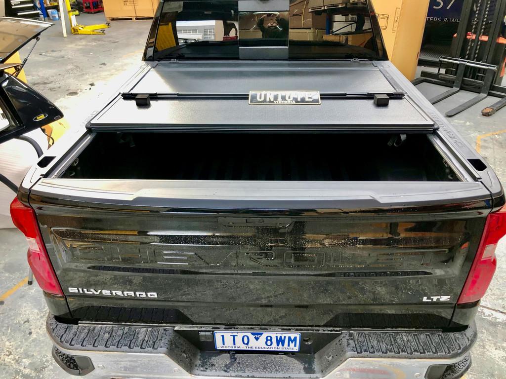 Quad-Fold Hard Lid Tonneau Cover For Chevrolet Silverado 1500 2014-2021