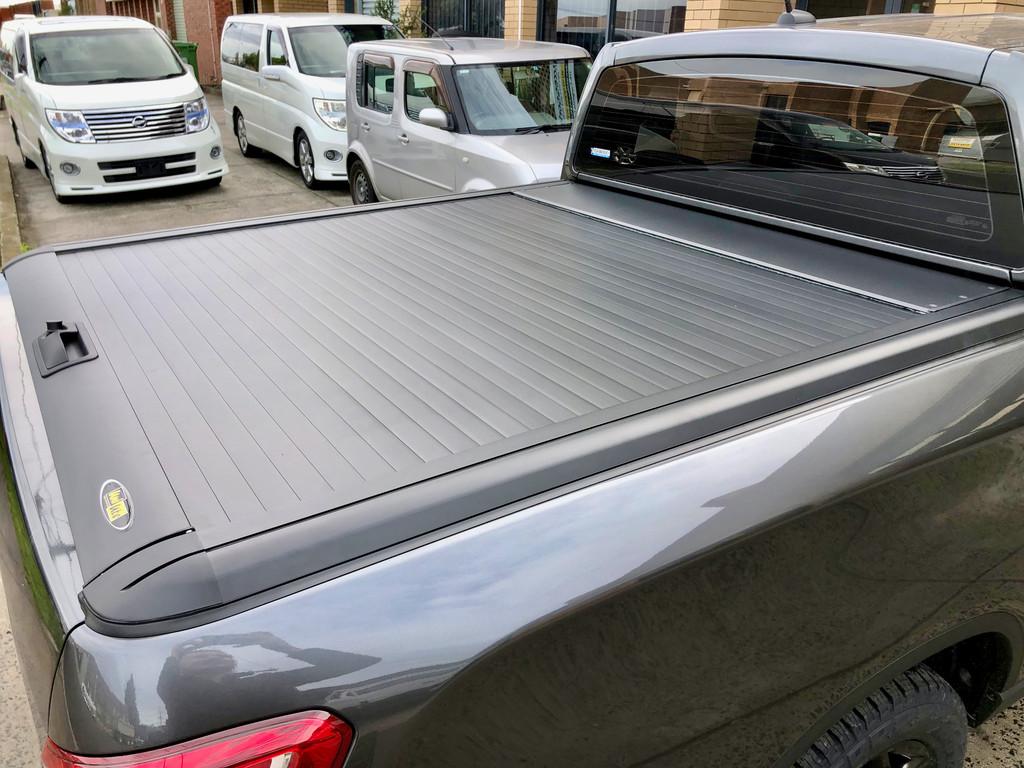 Gen2 Black Roller Lid Shutter For Toyota Hilux SR5 2015-2021