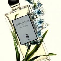 Serge Lutens Bas de Soie perfume sample