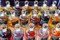 Serge Lutens perfume sample