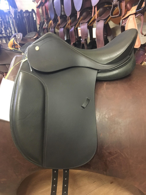 Ambassador Dressage Saddle