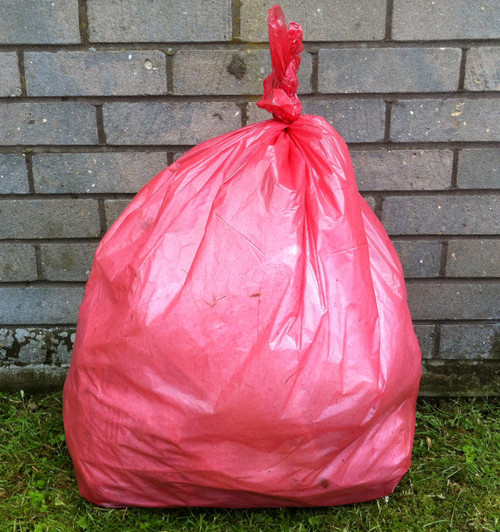 """An image of Red Refuse Sack 18x29x39"""" 15kg 160g"""