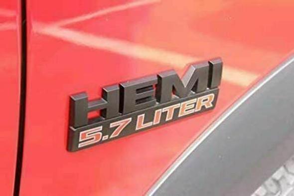 Dodge Ram logo 5.7 hemi op auto