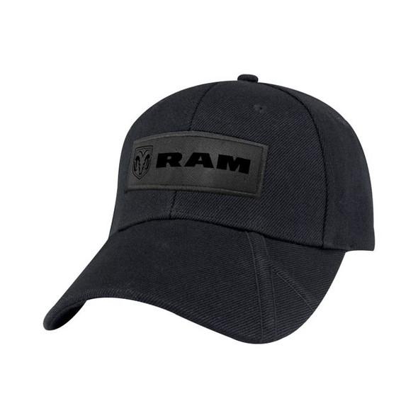Dodge Ram zwarte pet schuin