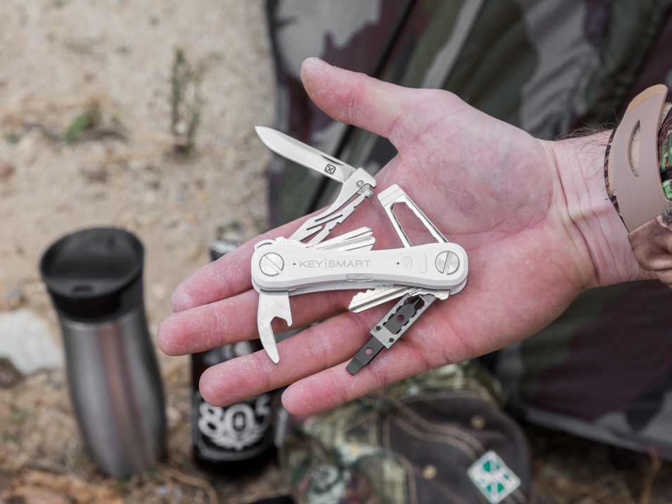 The KeySmart Pro with tile key organizer