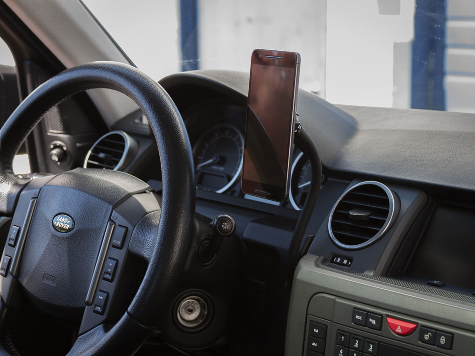 Bolted Phone Mount for Land Rover LR3