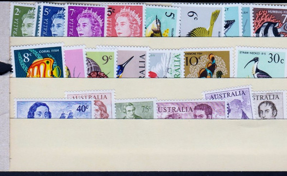 AUSTRALIA (1966-71) Queen Elizabeth Birds Fish (26v)