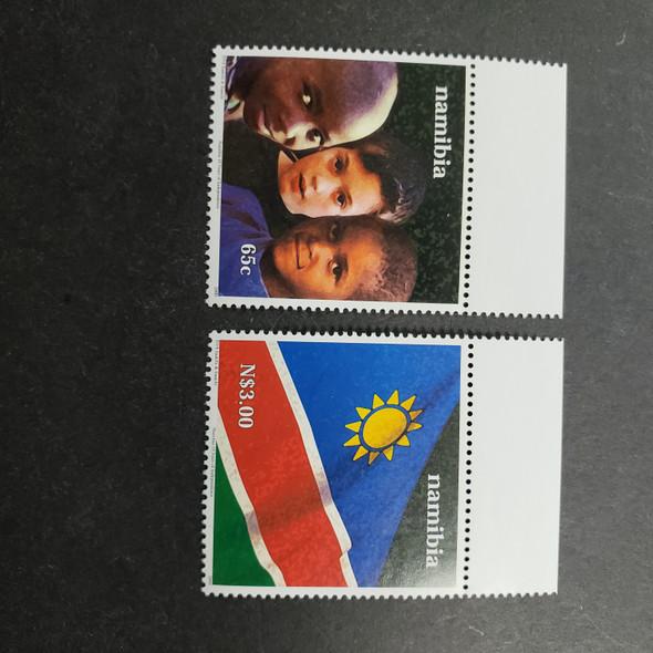 NAMIBIA (2000) Children , Flag (2v)
