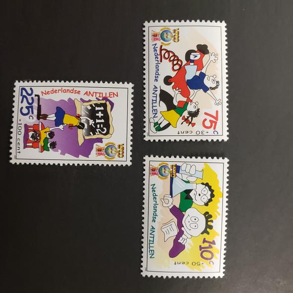 NETHERLANDS ANTILLES(2000  ) Semi Postal Children , Cartoons (3v)