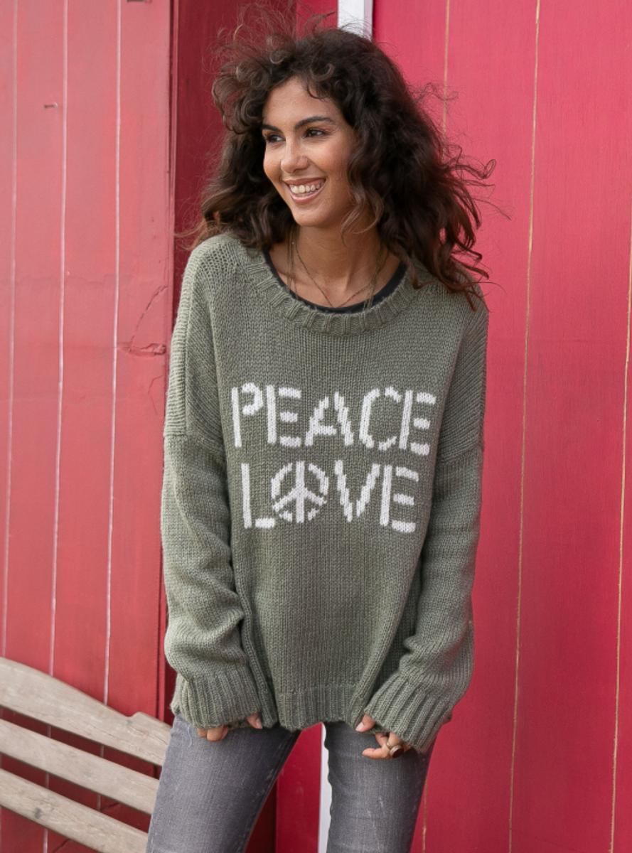 PEACE LOVE CREW