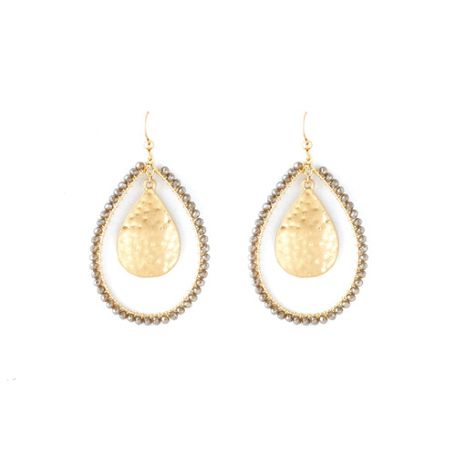 BEADED LOOP EARRING WITH MIDDLE