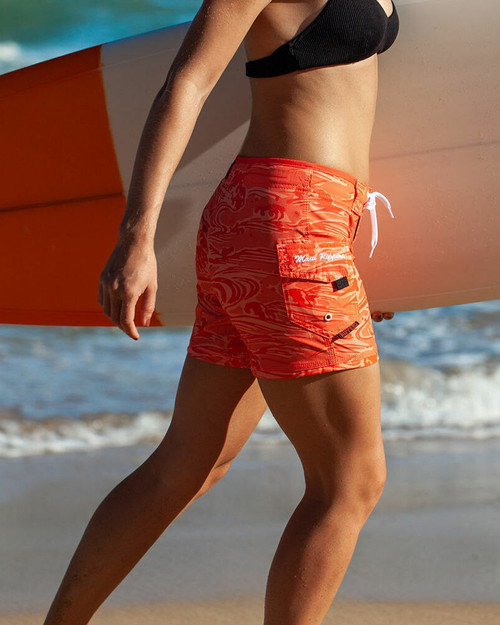 """Coral Wave 5"""" Women's Boardshort with Surfboard"""