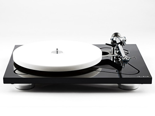 Rega RP10 Turntable inc Ania Cartridge