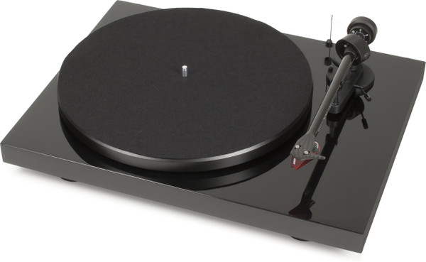 ProJect Debut Carbon Turntable with Ortofon 2M Red- Piano Black