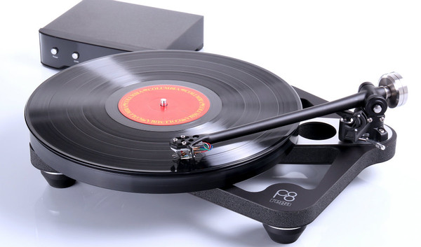 Rega Planar 8 Turntable With Ania Cartridge
