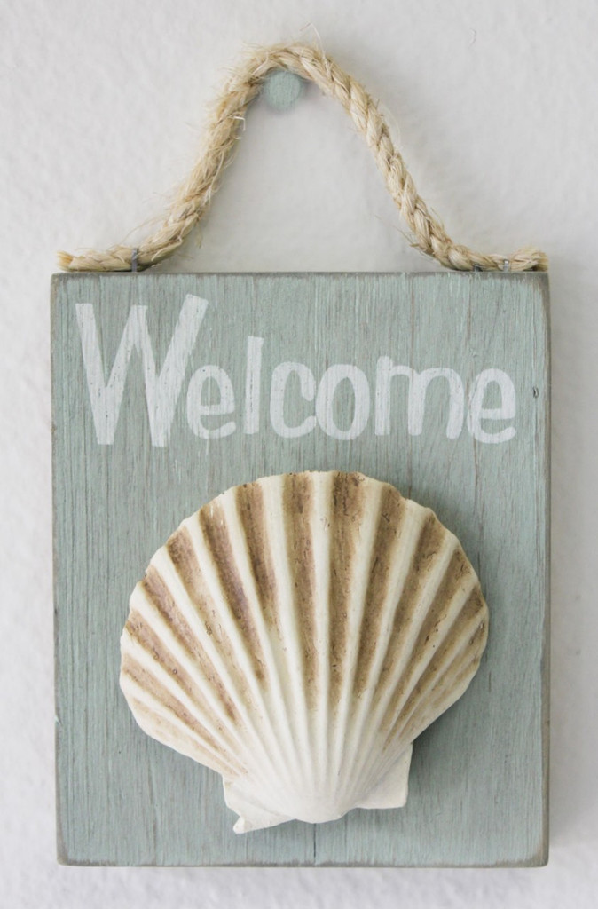 Scallop Seashell Welcome Sign