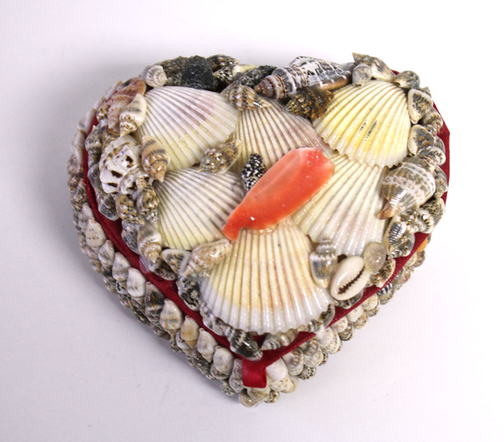 Seashell heart-shaped box