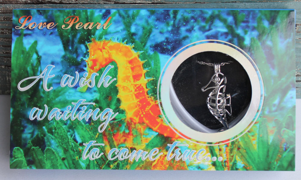 Seahorse Love Pearl