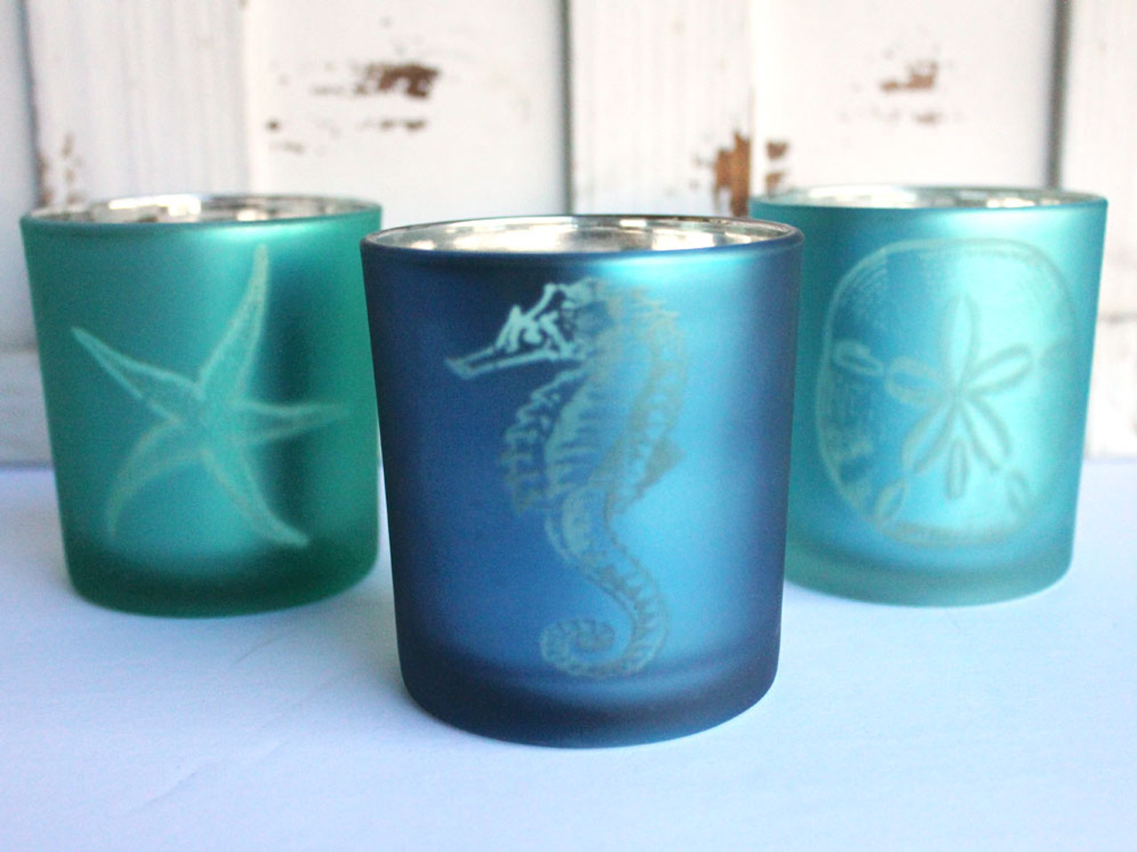 New TURTLEKING Seahorse Shell Gold /& White Inside /& Out Glass Candle Holder
