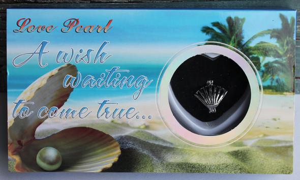 Scallop Love Pearl Necklace