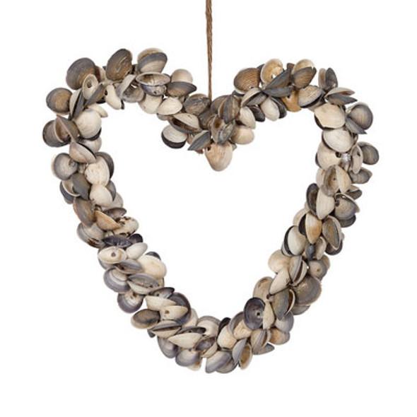 Cay Cay Shell Heart Wreath