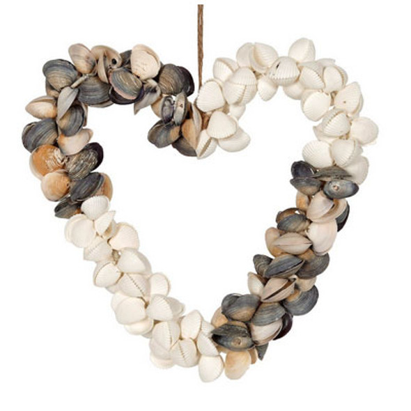 Cay Cay & White Clam Shell Wreath