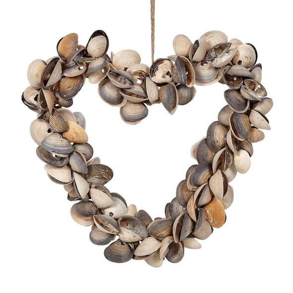 Cay Cay Shell Heart Wreath