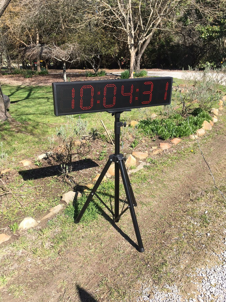 SCC22 Super Bright LED clock and timer. Outdoor with full sun.