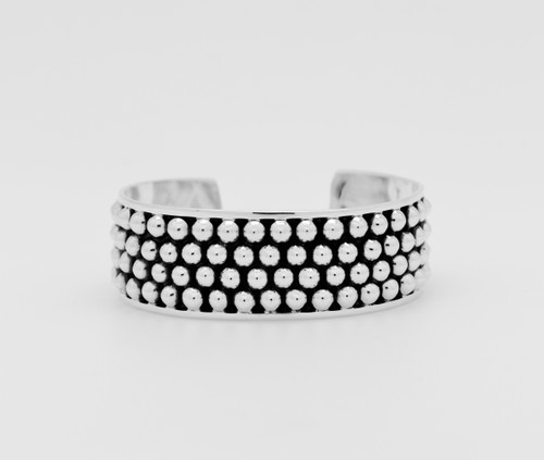 Wide oxidize  cuff with balls