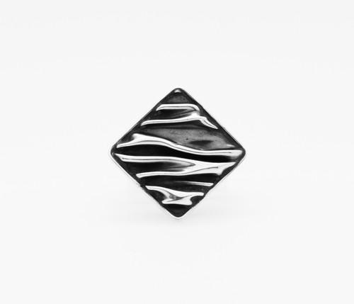 Corrugated Rhombus Ring