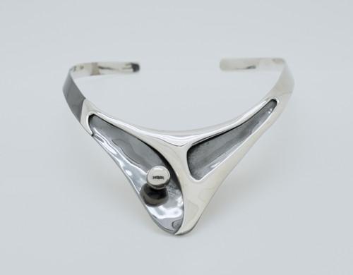 V Shape Chocker with silver ball