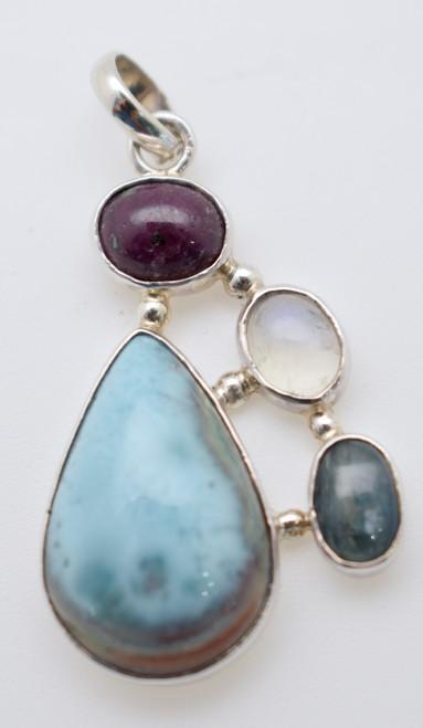 Four stone pendant
