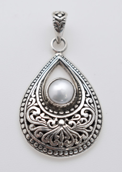 Teardrop with mother of pearl