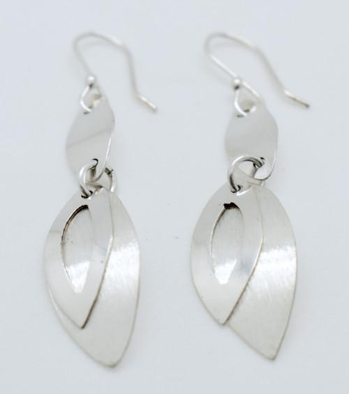 Double point Oval earrings