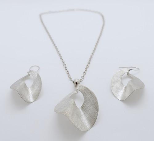 Necklace, 28.5 cm Earrings, 5.3 cm